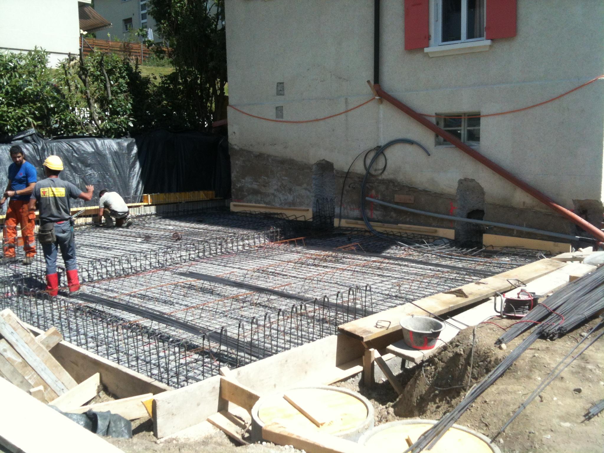 Extension d 39 une villa lausanne ferraillage du radier for Extension maison 3 murs